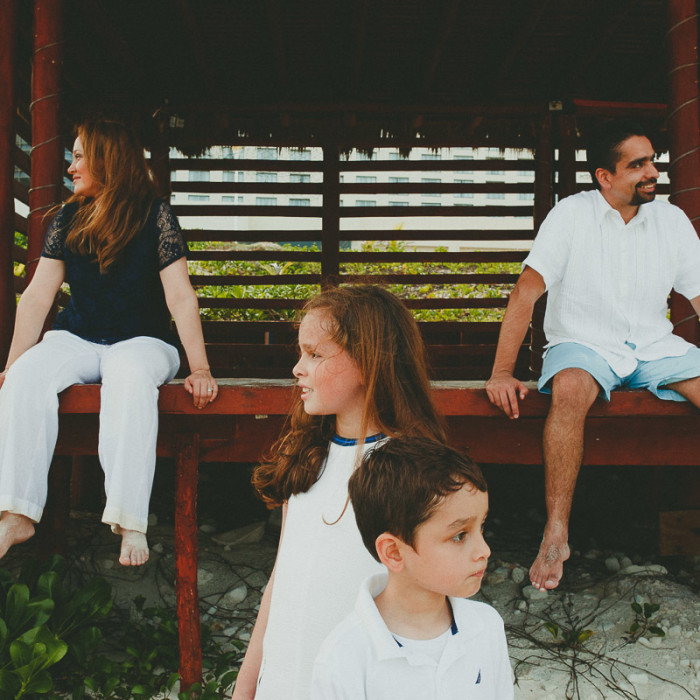 Great Parnassus Family Pictures | Elvis Aceff Cancun Photographer